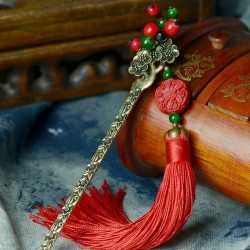 Marque-page bijou pour livre pompon